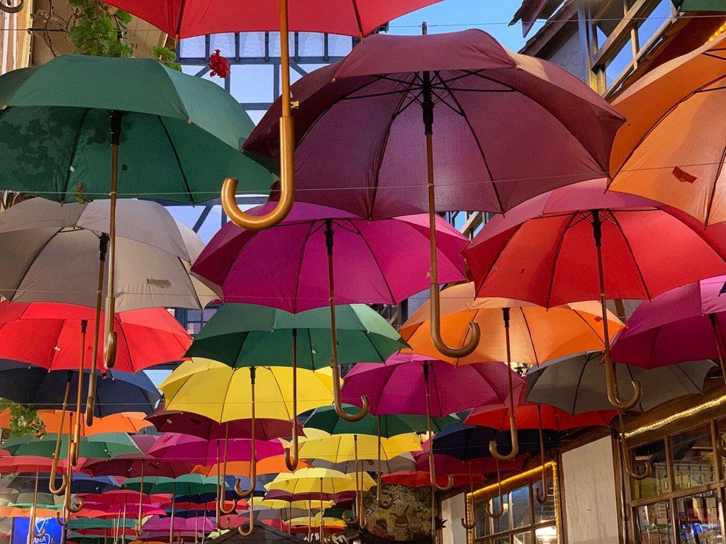 sombrinhas do boulevard Gèneve- Campos do Jordão