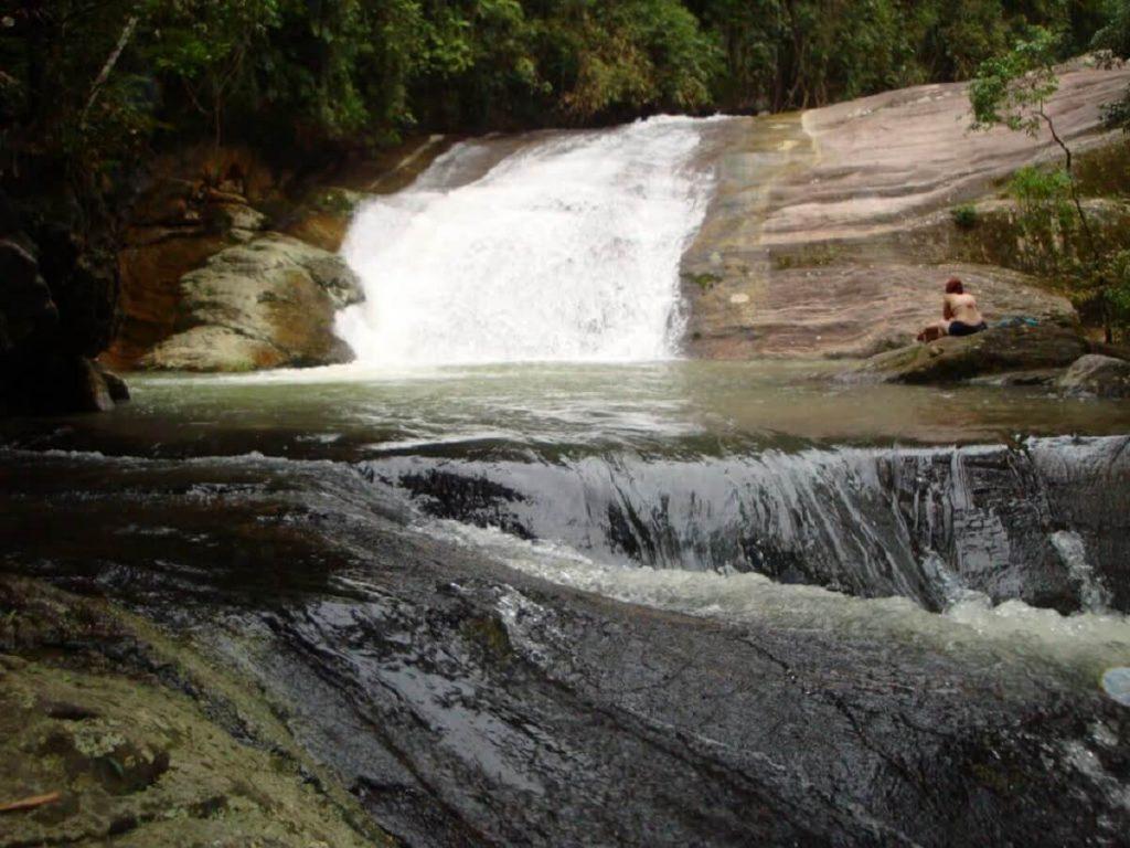 Cachoeira de Deus Penedo Itatiaia