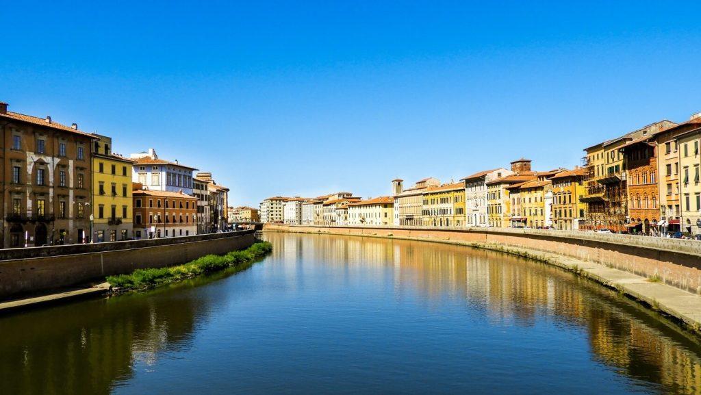 Rio Arno, Pisa, Italia