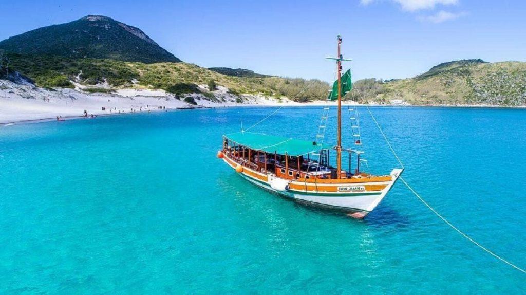 Passeio de barco por Arraial do Cabo-RJ