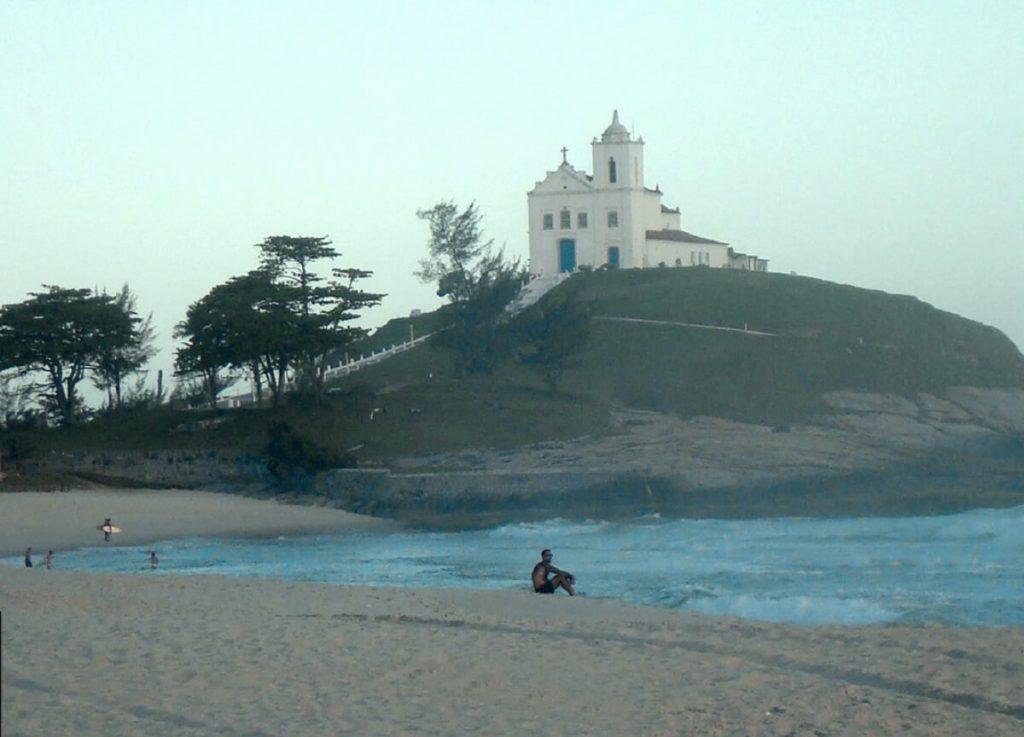 Praia da Vila vista da Igreja