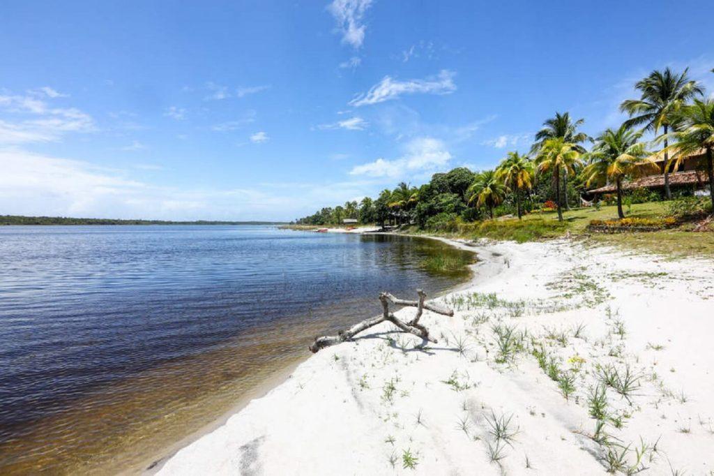 Praia e Lagoa do Cassanje