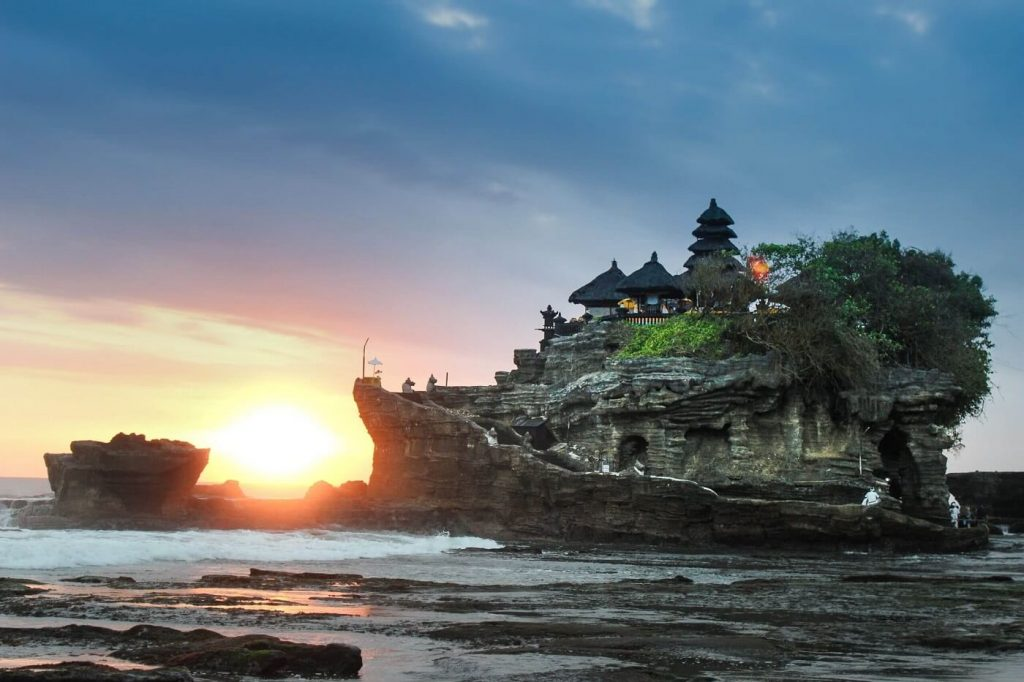 Templo de Bali visto do mar