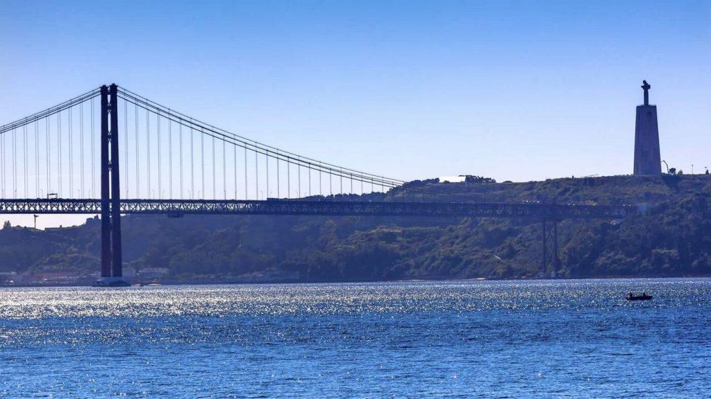 Ponte sobre o Rio Tejo